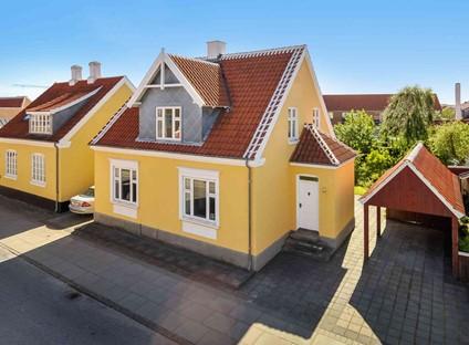 Skagen ❤️ Stort Villa til 18 Prs. 350 m fra Havn 150 m fra Bryghuset  1.sals lejl.