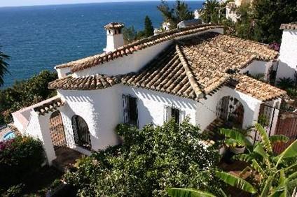 Villa i Andalusien på 175 kvm med opvarmet pool og plads til 6 (8) personer.