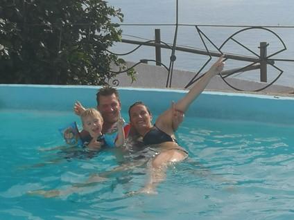 Villa på 175 kvm i Salobrena. Opvarmet pool og ugeneret have. Plads til 6-8 personer