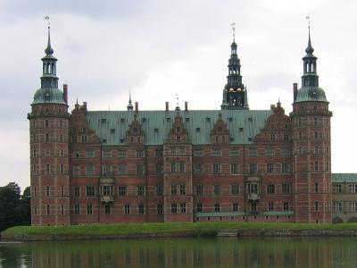 Frederiksborg Slot (61km)
