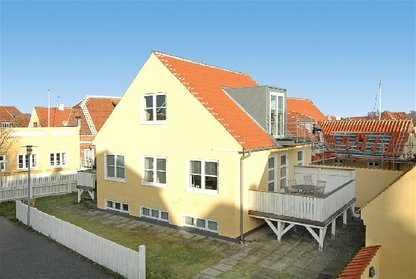 Estimates totally renovated 12 persons Skagen of 180 m2 on 3 floors situated in the center of Skagen town close to the pedestrian zone, the port and beach
